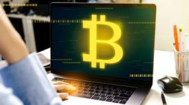 Bitcoin sfonda i 10000 dollari
