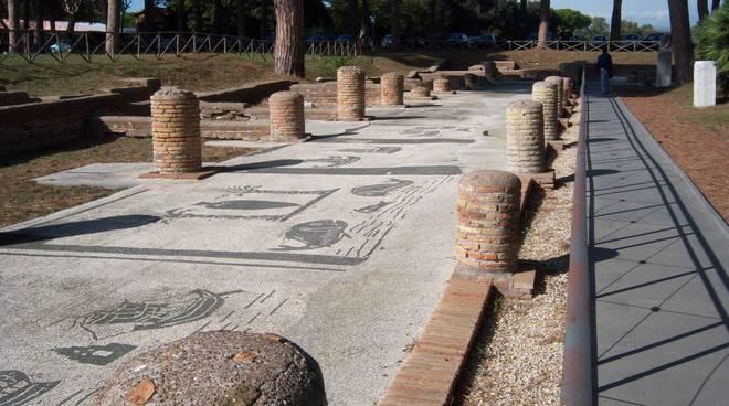 decumano ostia antica parco archeologico