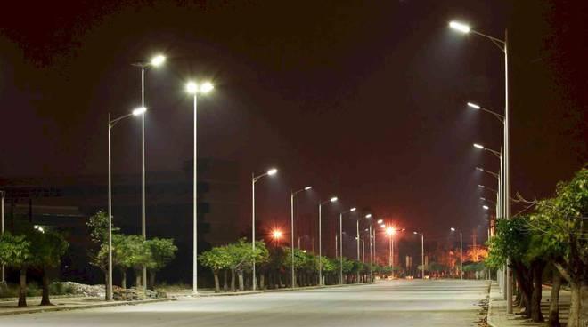 illuminazione campo di mare lampioni