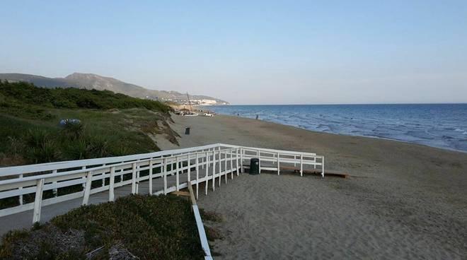 spiaggia capratica fondi