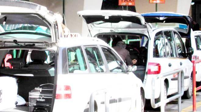 taxi abusivismo aeroporto