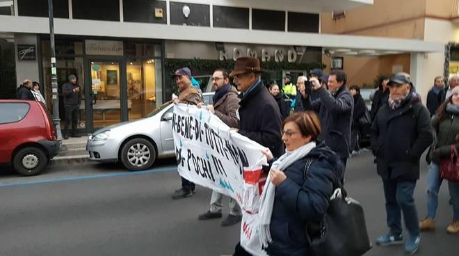 formia, manifestazione contro la crisi idrica