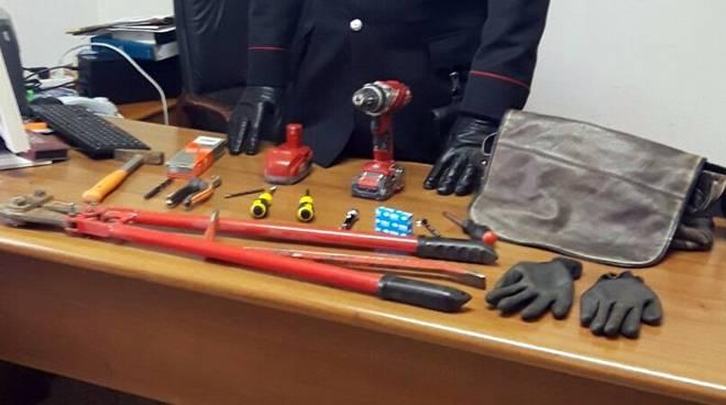 Ladispoli arresti per scasso garage con trapano