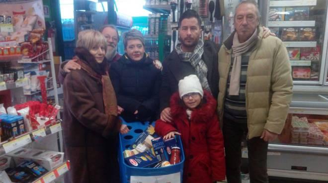 'Natale solidale' S. Marinella raccolta cibo e giochi famiglie in stato di necessità