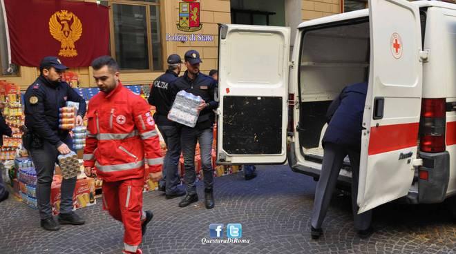 roma polizia donati generi alimentari a croce rossa