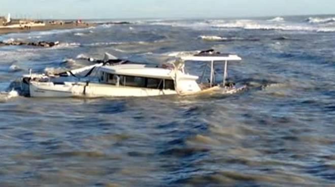 catamarano Vamos a Ostia naufragio