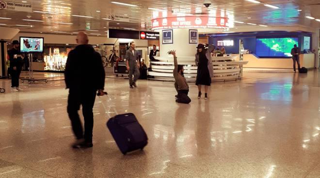 Aeroporto Fiumicino spettacolo danza contemporanea