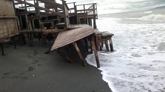 Erosione costiera nel sud pontino, a rischio 200 stabilimenti