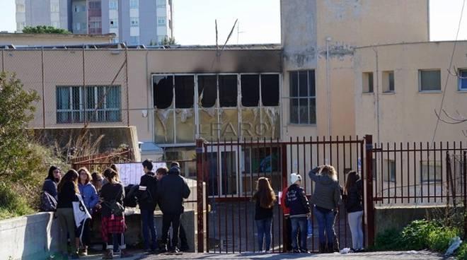 Incendio scuola Calamatta Civitavecchia