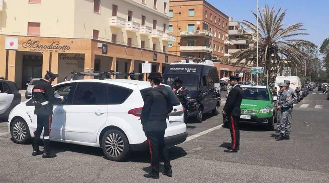 Ostia controlli carabinieri