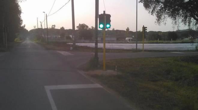 San Felice Circeo, attivato il nuovo semaforo all'incrocio di via Vigna di Circe