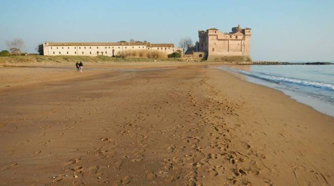 Santa Marinella spiaggia castello Santa Severa