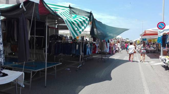 Mercato settimanale a Terracina