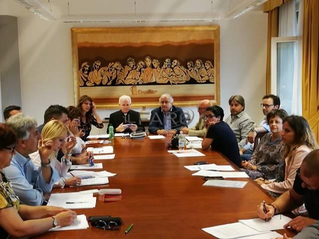 Latina, monsignor Crociata parla di etica e sviluppo sindacale con i rappresentanti della Cisl