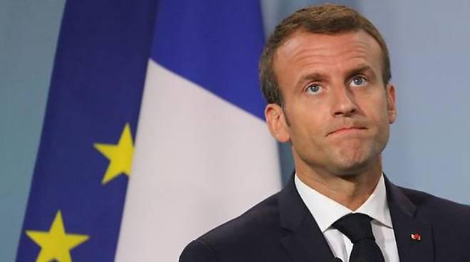 """Macron inarrestabile contro l'Italia:""""dimezzare ore di studio della lingua italiana"""""""
