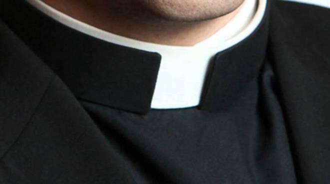 prete cattolico