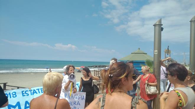proteste spiaggia