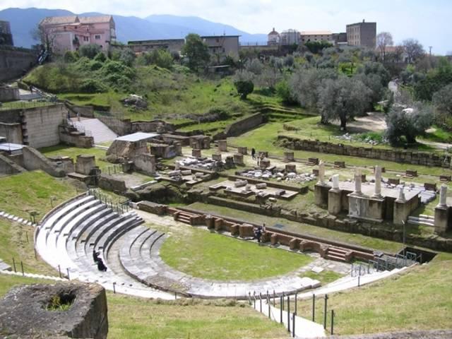 Teatro romano di Minturno