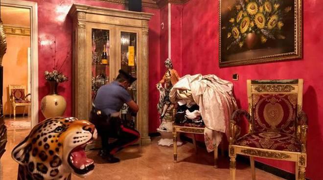Colpo al clan dei casamonica 31 arresti e locali for Locali commerciali roma centro