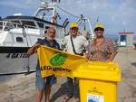 Fishing for litter a Terracina
