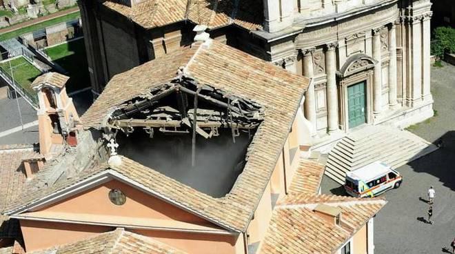 crollo chiesa san giuseppe dei falegnami