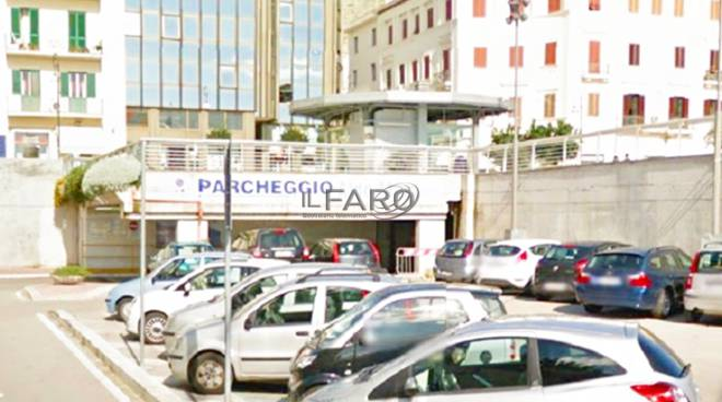 Parcheggio multipiano a Formia
