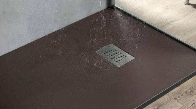 Ristrutturazione bagno vantaggi e svantaggi del piatto doccia filo