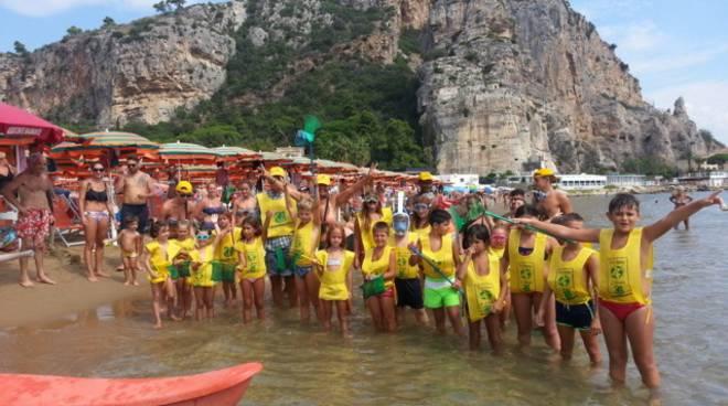Terracina, snorkeling contro le plastiche