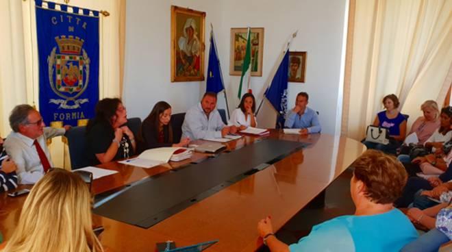 Formia, l'incontro in Comune con i membri della Commissione mensa