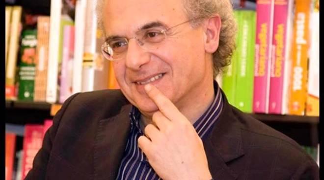 """Pino Imperatore ospite al """"Library day"""" di Formia"""