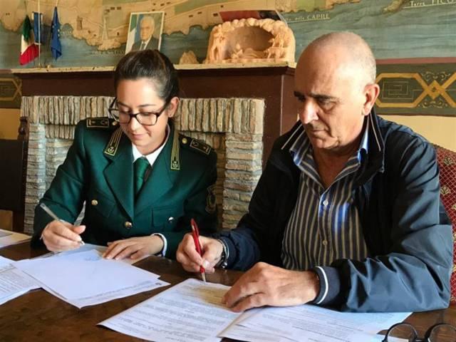 San Felice Circeo, il sindaco Schiboni firma il protocollo d'intesa con le guardie Norsaa
