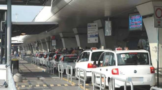 taxi, fiumicino, aeroporto