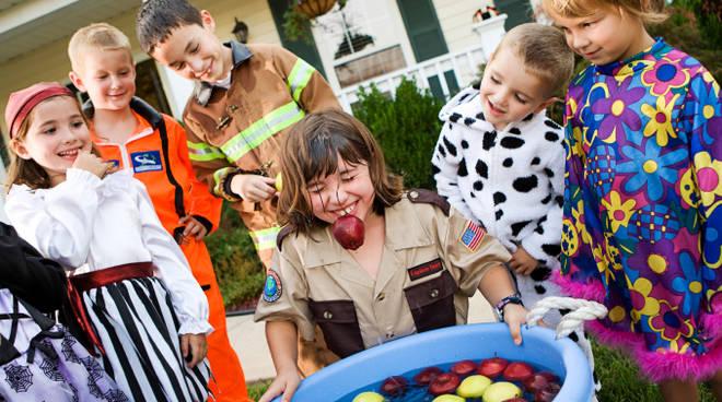 Halloween Gruppo.Giochi Di Gruppo Di Halloween Idee Per Divertirsi Tutti Insieme