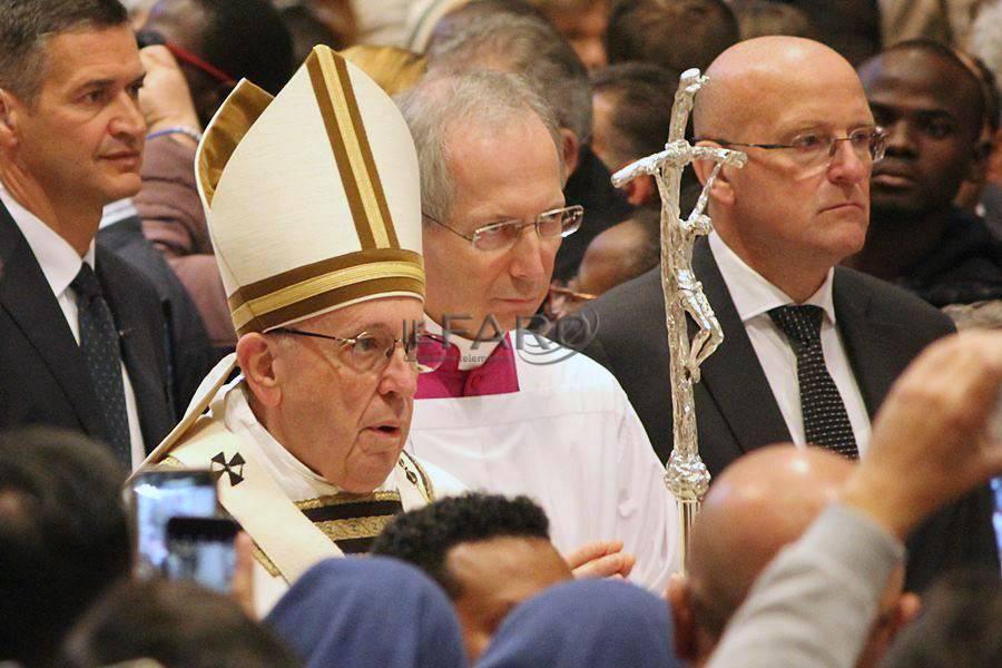 Giornata Mondiale dei Poveri, il Papa a pranzo con i bisognosi