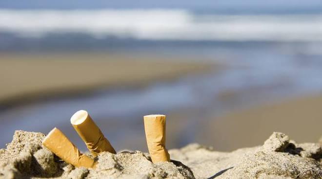 mozziconi sigarette spiaggia