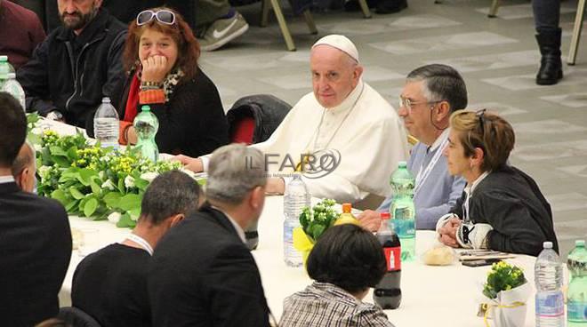 papa francesco pranzo poveri