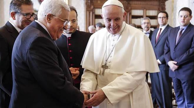 Papa: ha incontrato Abu Mazen, tema pace in primo piano - Politica