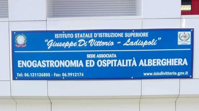 """Istituto Superiore """"DiVittorio"""" la sfida dei P.O.N. contro la dispersione scolastica"""