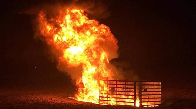 oleodotto in fiamme fiumicino
