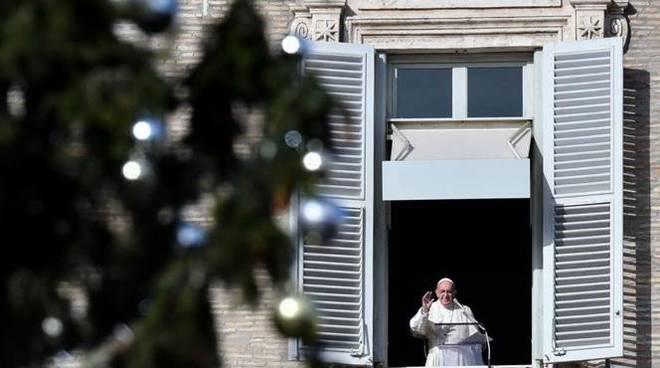 Papa Francesco, Dio non dimentica chi a Natale è lontano dalla famiglia