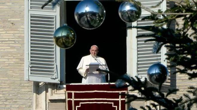 papa francesco angelus natale