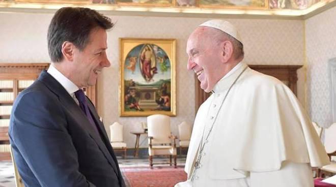 In Vaticano l'incontro tra il premier Conte e Papa Francesco
