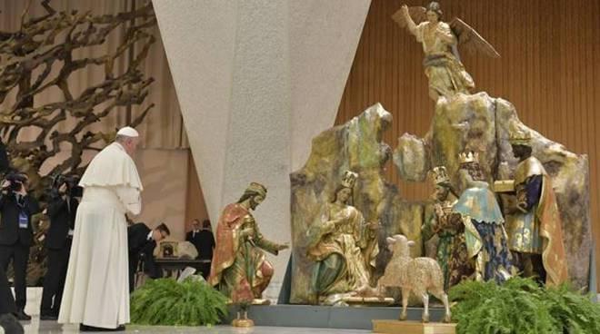 Papa Francesco preghiera presepe natale
