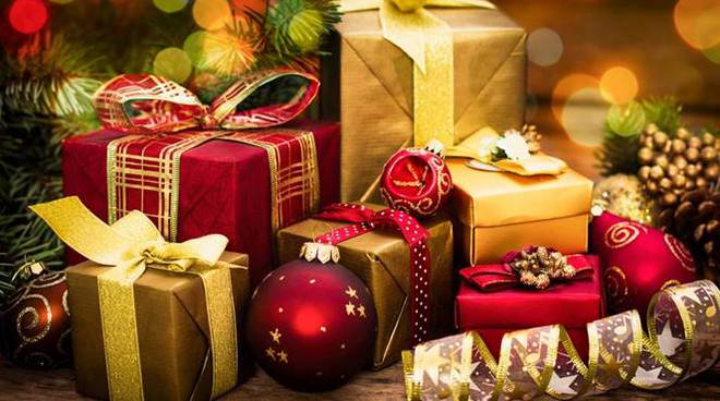 Regali Di Natale Per.Coldiretti A Natale Spesi 3 9 Miliardi Per I Regali Ma 19 Degli