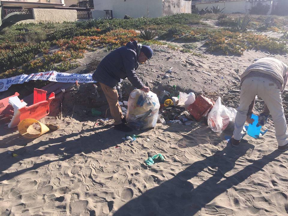 Pulizia spiaggia Passo a mare nr 3-2019_01_01_foto1