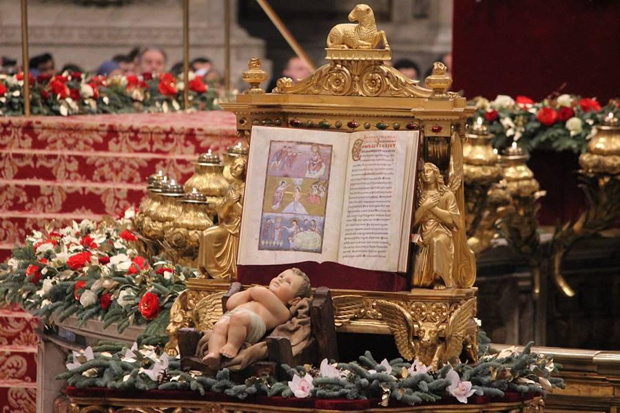 Vaticano, Messa e Angelus dell'Epifania 2019