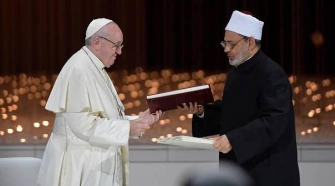 papa francesco abu dhabi grande Imam di Al-Azhar