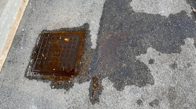 Tombini saturi in via Pasteno Grande, la denuncia di CasaPound Minturno