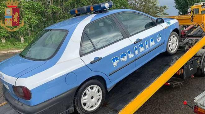 auto scenica polizia