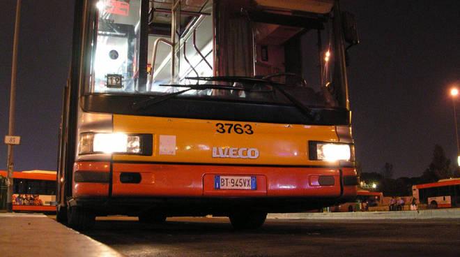 bus notturno